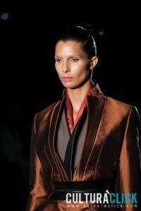 María Victoria Montoya, más conocida como  Toya Montoya luciendo un  traje del diseñador Haider Ackermann