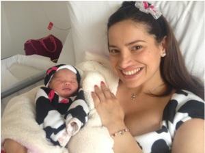 Olga y su bebé Antonia, ella es una mamá muy fashion !