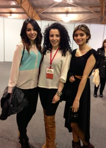 Paola Orjuela estudiante de diseño industrial y Camila Monsalve estudiante de diseño de modas