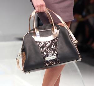 Bolso Fiore de la última colección de la diseñadora Julieth Estrada