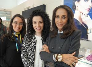 """Pilar Castaño es una excelente embajadora de la firma FREYWILLE aquí con los brazaletes  de la colección """"Passionate Russia"""""""
