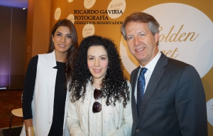 Andrea Serna presentadora del evento, José Antonio Robisco gerente del grupo PUIG