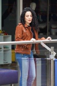 Aquí cambia todo el look, definitivamente me la pasaría en jeans todos los días!