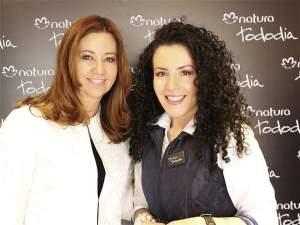 Aquí con Irma Aristizábal a quien admiro por hacer del modelaje en Colombia una profesión seria y destacable.