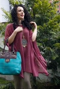 Los tejidos son un básico en esta temporada y Preta nos presenta este sacón en color palo de rosa para usar de día o de noche.