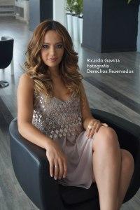 Impactante  y con un vestidito en color nude de Studio F  se presentó Paty para darnos  esta entrevista. Maquillaje: SP Pro